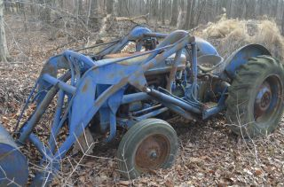 1957 Ford 600 Tractor With Loader New 3 Point Hitch photo