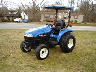 New Holland Tc 33d 4x4 Diesel Tractor photo