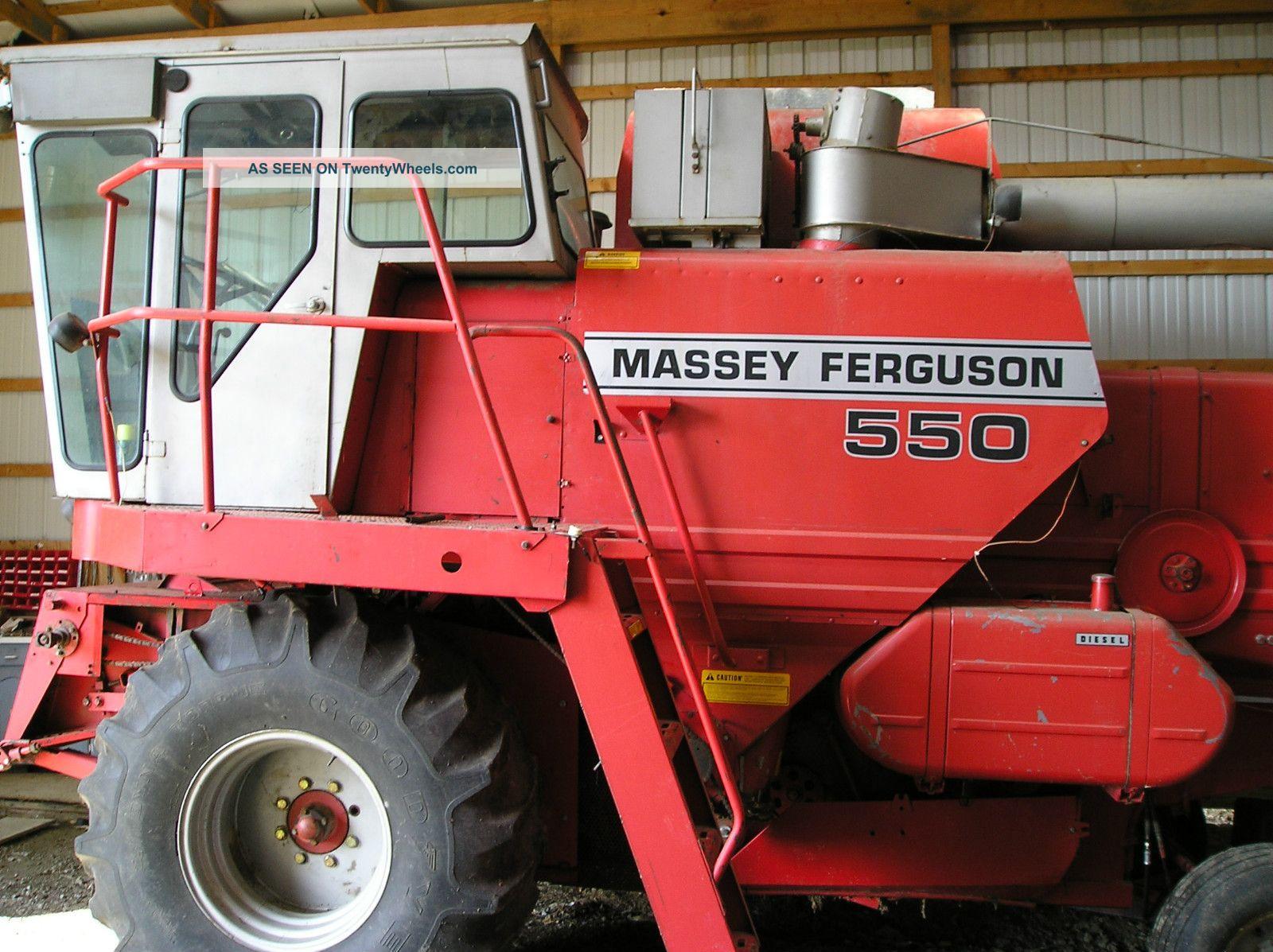 Massey Ferguson 550 Combine Combines photo