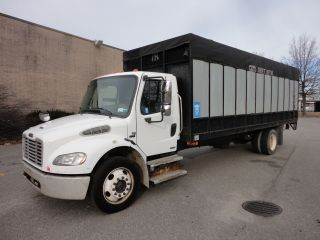 2006 Freightliner M2 photo