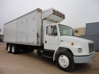 2002 Freightliner Fl - 70 photo