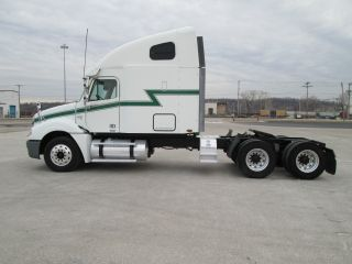 2006 Freightliner Columbia photo