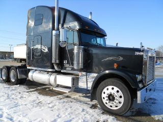 2004 Freightliner Classic Xl D132064 photo
