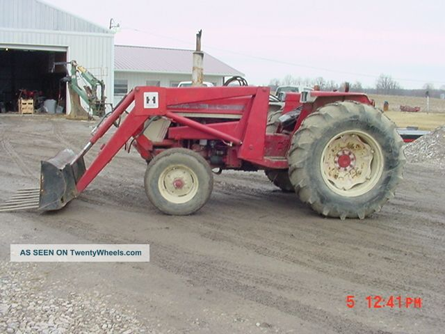 Ih 574 Tractor : International ih tractor w loader