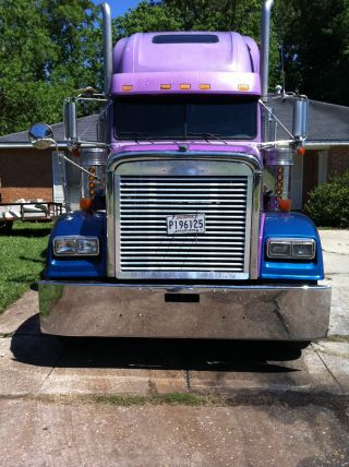 2000 Freightliner Classic Xl photo