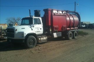 1993 Ford L9000 photo