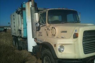 1989 Ford L9000 photo