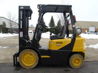 2007 Doosan Daewoo G25e Forklift 5000lb Pneumatic Lift Truck photo