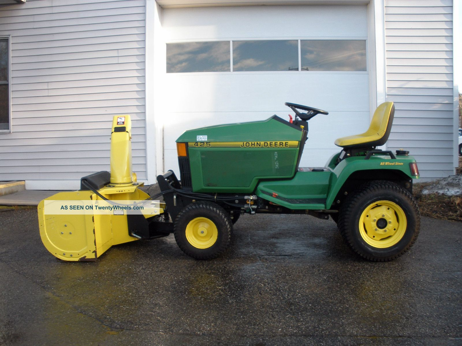 John Deere 425 All Wheel Steer Tractor W/ Snow Blo