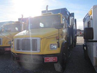 2004 Freightliner Fl 80 / Fl80 / Fl - 80 photo