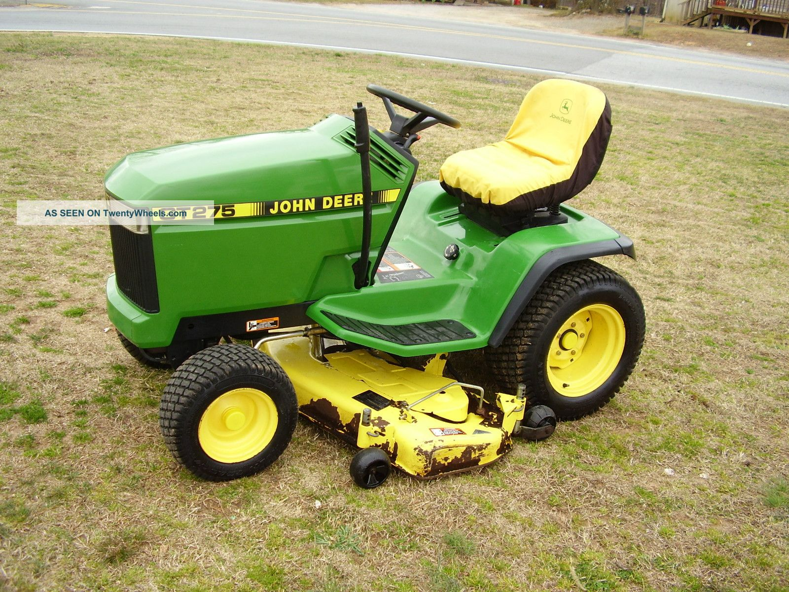 john deere gt   hp hydrostatic drive riding mower