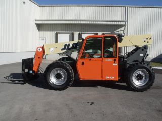 Jlg G6 - 42a Telescopic Telehandler Forklift Lift Fresh Paint & Service photo