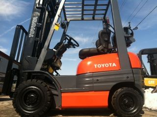 Toyota Pneumatic 3000 Lb 42 - 6fgu15 Forklift Lift Truck photo