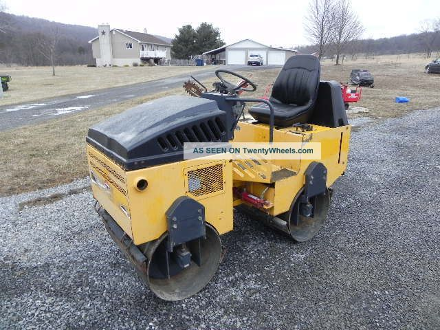Stone Wolfpac 3100 Vibratory Smooth Drum Asphalt Roller Double Drum Drive Honda Compactors & Rollers - Riding photo
