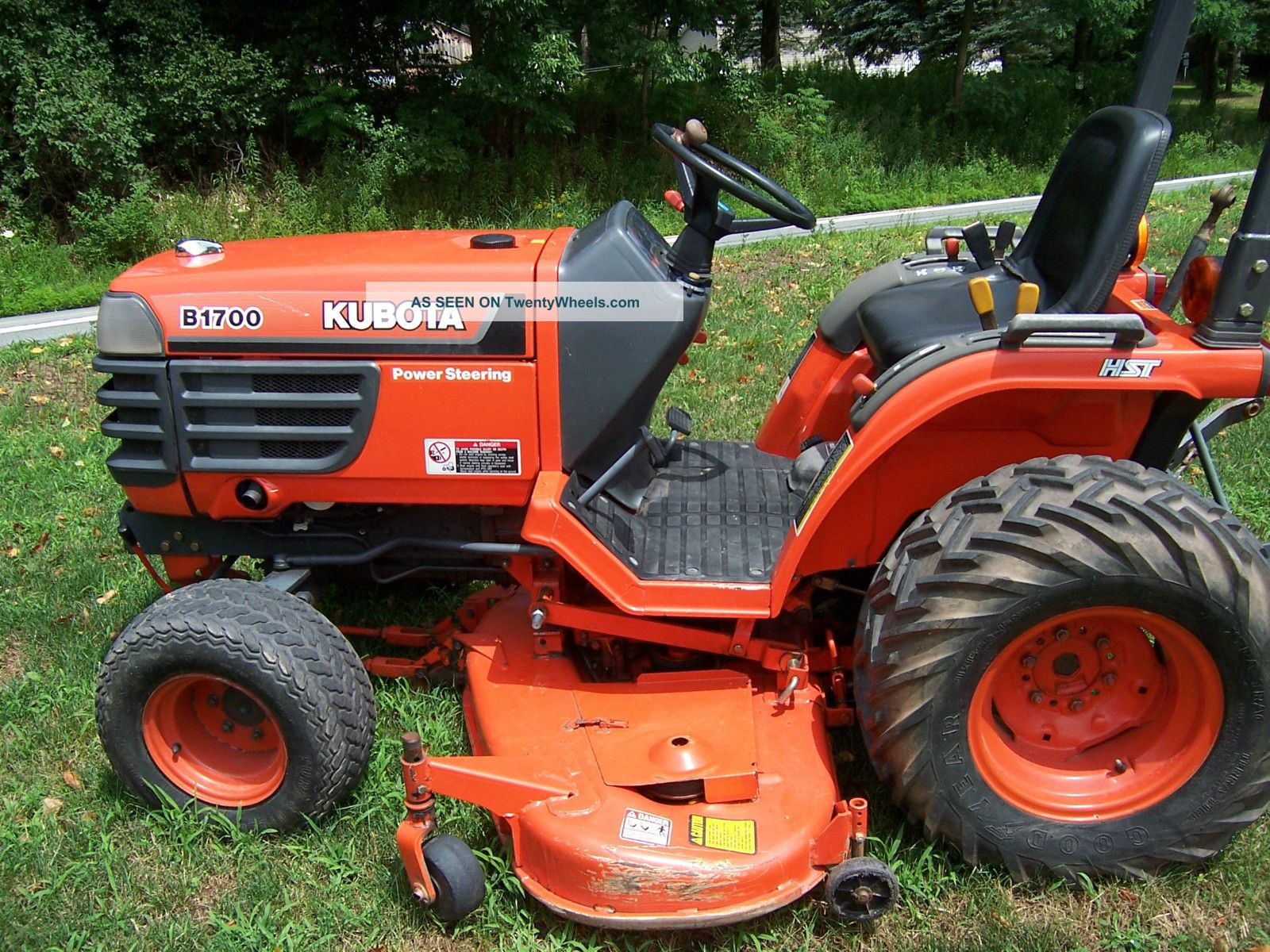 Kubota B1700 Tractor And Mower