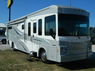 2008 Itasca Latitude photo