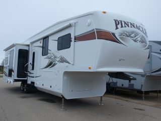 2012 Jayco Pinnacle 35lkts photo