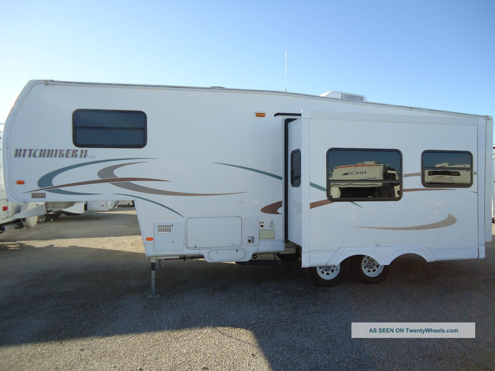 Hitchhiker Travel Trailers Sale