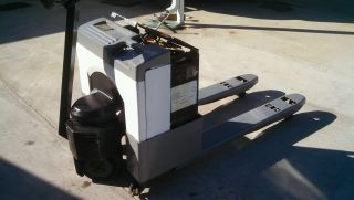 Crown 4000 Lb.  Electric Pallet Jack photo