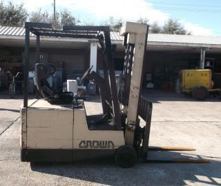 1996 Crown 35sctt 3000 Lb Electric Forklift $3,  800 photo