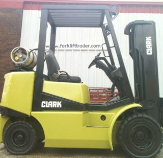 2000 Clark Pneumatic 5000 Lb Cgp25 Forklift Lift Truck photo