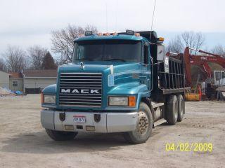 1994 Mack Ch613 photo