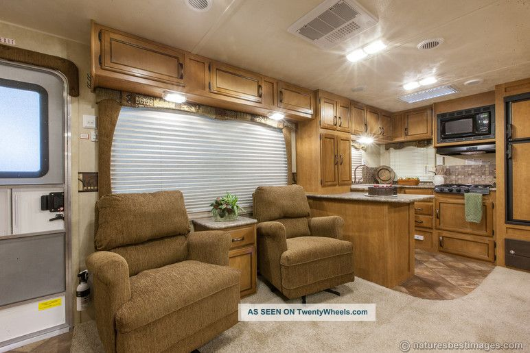 2013 Rear Kitchen Travel Trailer 30rkss