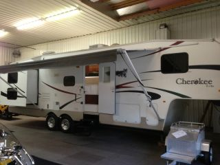 2008 Forest River Cherokee M285b+ photo