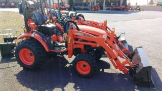 2010 Kioti Ck20s Hst Compact Tractor W/ Kl120 Loader.  Only 15 Hrs.  Unit photo