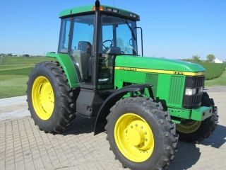 1997 John Deere 7210 4wd Tractor photo