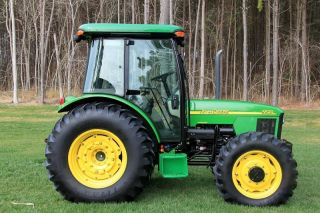 2002 Model John Deere 5520 Tractor 4wd photo