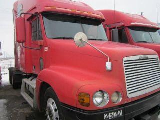 2000 Freightliner Century photo