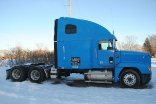 1995 Freightliner Fld 120 photo