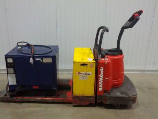 2004 Raymond Electric Pallet Jack End Rider Walkie Forklift W/hertner Charger photo