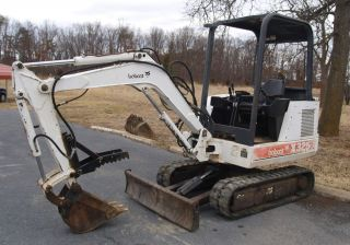 Bobcat X325 Mini - Excavator Shape - - Ready To Go To Work - - photo