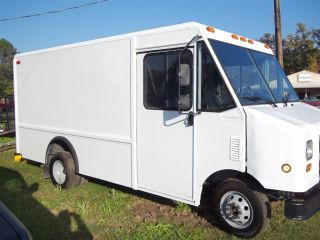 2004 Ford Econoline Delivery Step Van Business photo