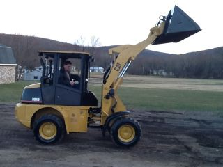 Caterpillar 904b Wheel Loader Rubber Tire Pay Loader Payloader Tractor Cat photo