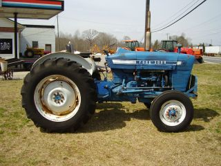 3000 Ford 2wd Gas With Power Steering Tractor photo