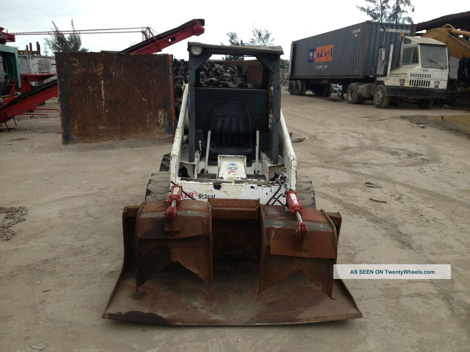 Bobcat 743b Skid Steer Loaders photo