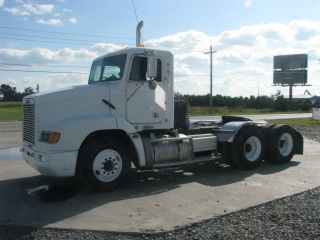 1999 Freightliner Fld photo