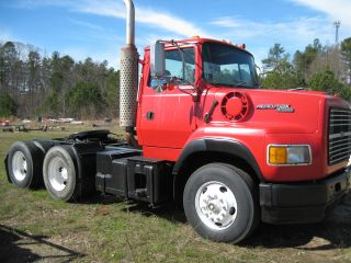 1994 Ford L9000 photo
