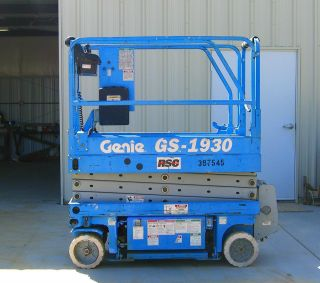 Genie Gs - 1930 Scissor Lift photo