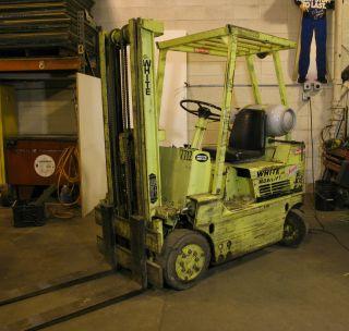 White Ma30h Forklift photo