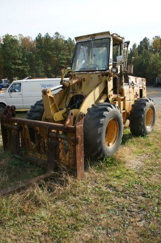 International Harvester Forklift Model 510/515 photo