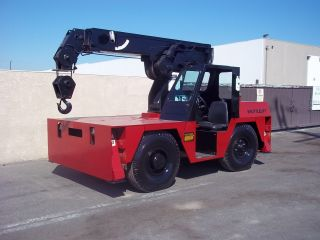 Shuttle Lift Crane 17,  000 Lbs Capacity,  25ft Reach,  3 Section Boom,  Paint photo