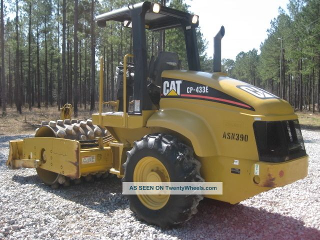 2005 Cat Cp433e Excavators photo