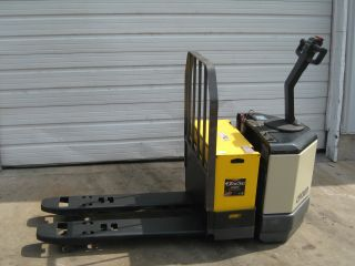 Crown Pw3520 - 60 Electric Pallet Jack Fork Truck photo