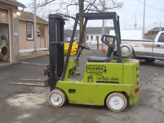Clark Fork Lift 3000lb Triple Mast photo