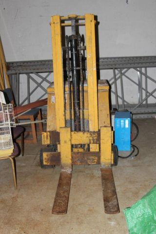 Forlift Yale Work Saver Hand Tow photo