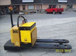 2002 Yale 8000 Lb.  Stand On Pallet Jack 523 photo